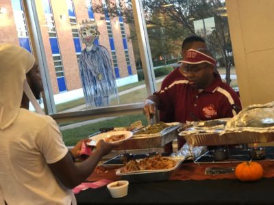 Thanksgiving With JSU Students 2018 7